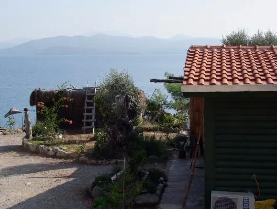 Beachfront Bungalow Zum Verkauf In Akbuk, Die Durch Das Meer Auf Einem Grundstück Von 800M2-Villa Zum Verkauf Turnalı