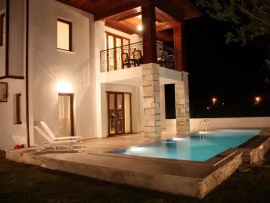 For Sale Luxury Villa In Plot Of 388M2 In 4 1 For Sale Bargain Villa For Sale Made