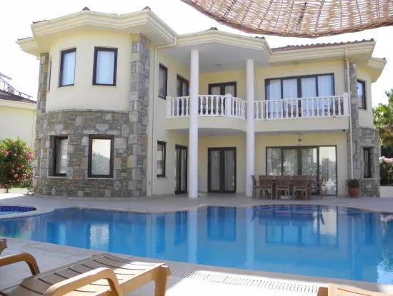 Dalyan Satılık Villa Dalyan Maraş 'Da 701M2 Arsa İçinde Satılık 4+1 Satılık Villa